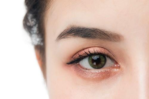 割双眼皮手术疼不疼2.jpg