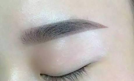 种植眉毛恢复后效果好吗?术后修剪麻烦吗?