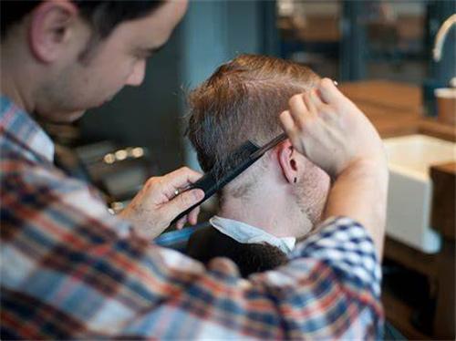 植发后什么时候可以理发
