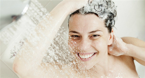 导致洗澡时脱发的原因有哪些