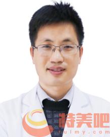 何锦泉医生