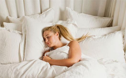 不良的睡眠习惯会导致脱发,你知道吗?