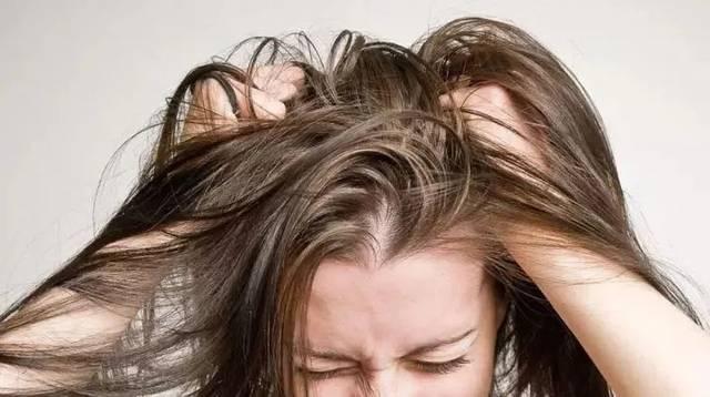 头发出油是什么原因导致的?