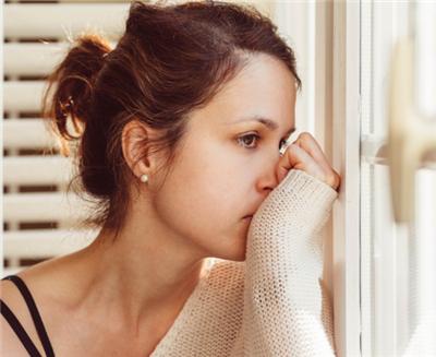 焦虑如何影响脱发